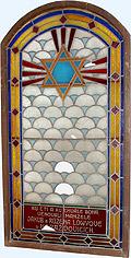 Vitráž ze zbourané synagogy